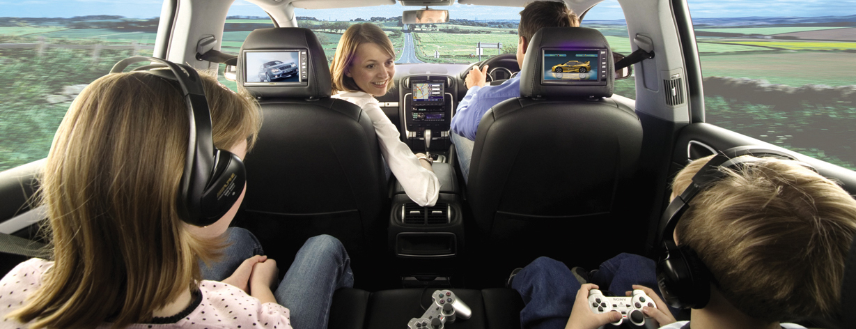 zoals Cruise-control, Carkit, Navigatie, Camera en HIFI.